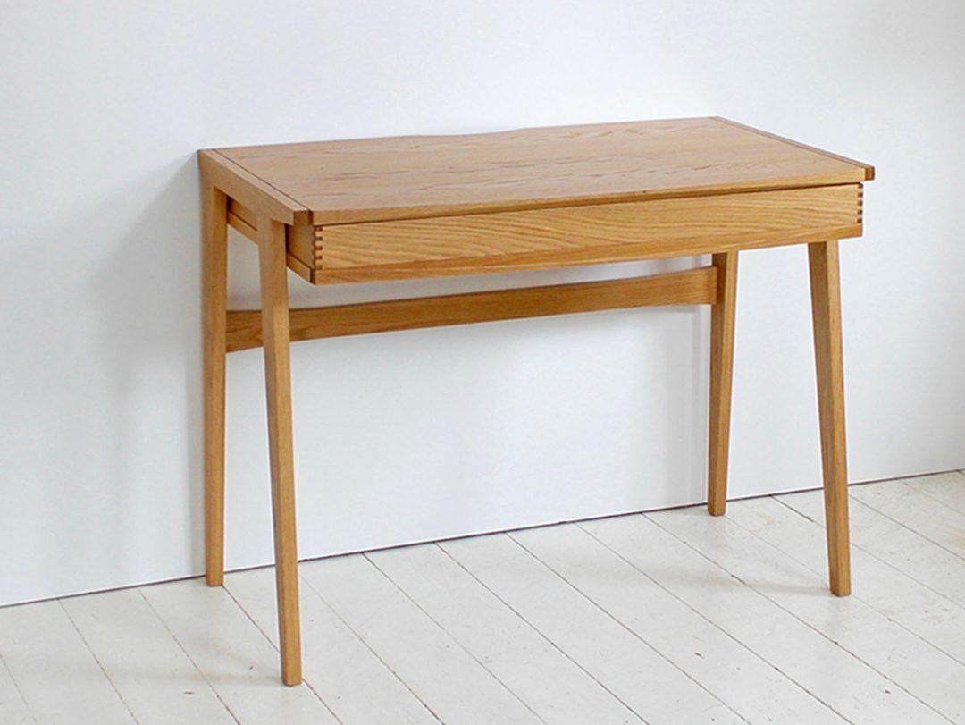 Duhrer desk